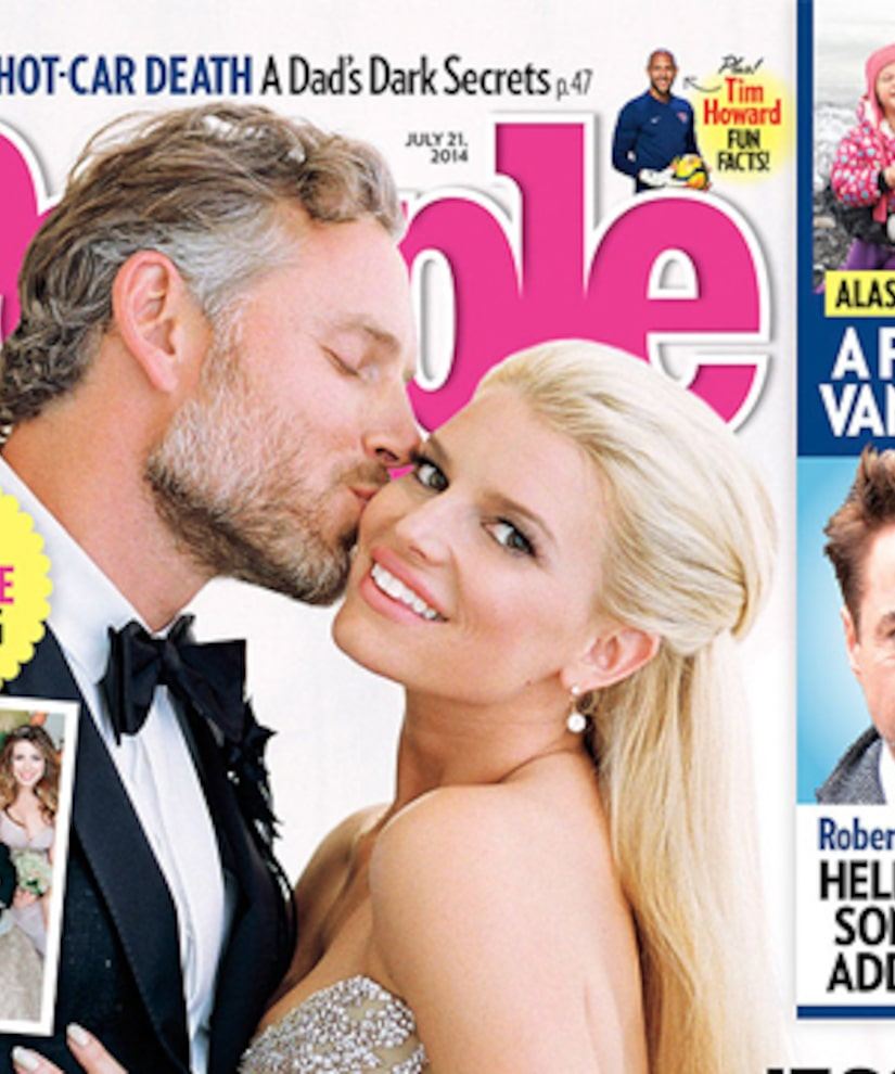Jessica Simpson And Eric Johnson Wedding Photo And Her Dress